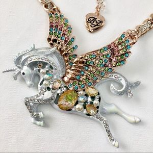 Betsey J White Pegasus Necklace  NWT/Very HTF!